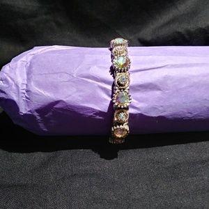 Jewelry - Stretch iridescent bracelet